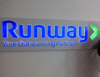 Световая вывеска Runway